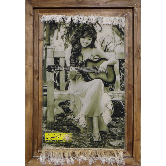 تابلو فرش دختر گیتارزن