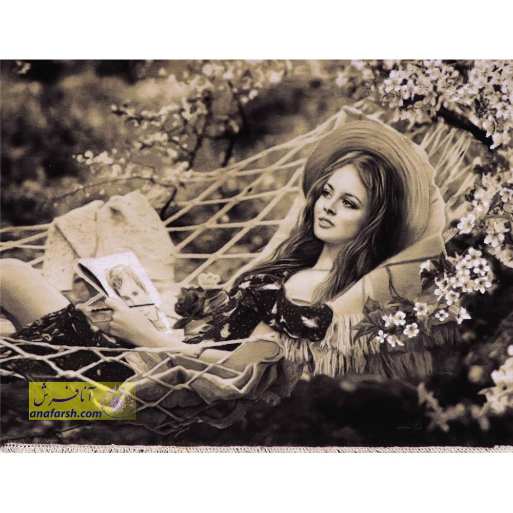تابلو فرش دختر خوابیده دستباف تبریز