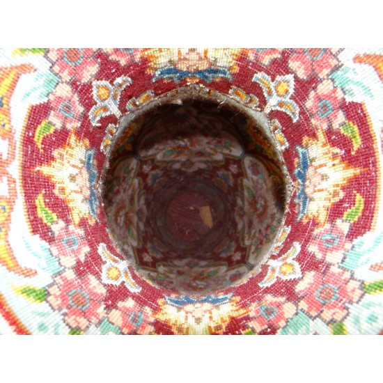کوزه فرش حجمی ابریشمی زمینه عنابی
